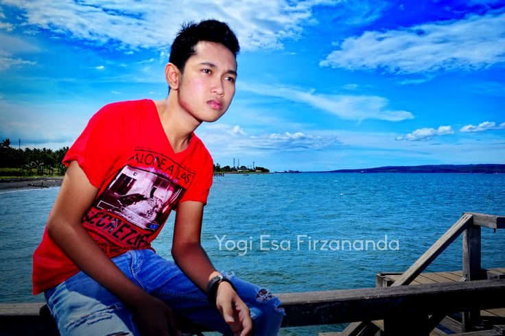 """in love harbour, i don't know why that place called with name """"love harbour"""" but it nice name, :D #summerstyle #menstyle #red #sea #harbour #fashionable #summer #photography #style"""