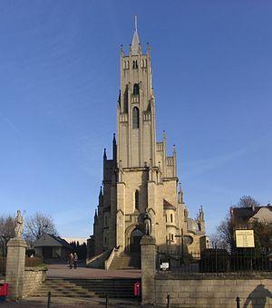Imielin, Kościół Matki Boskiej Szkaplerznej. 5 km od naszego hotelu. Imielin, Silesia. St Mary's Church. 5 km from our hotel.