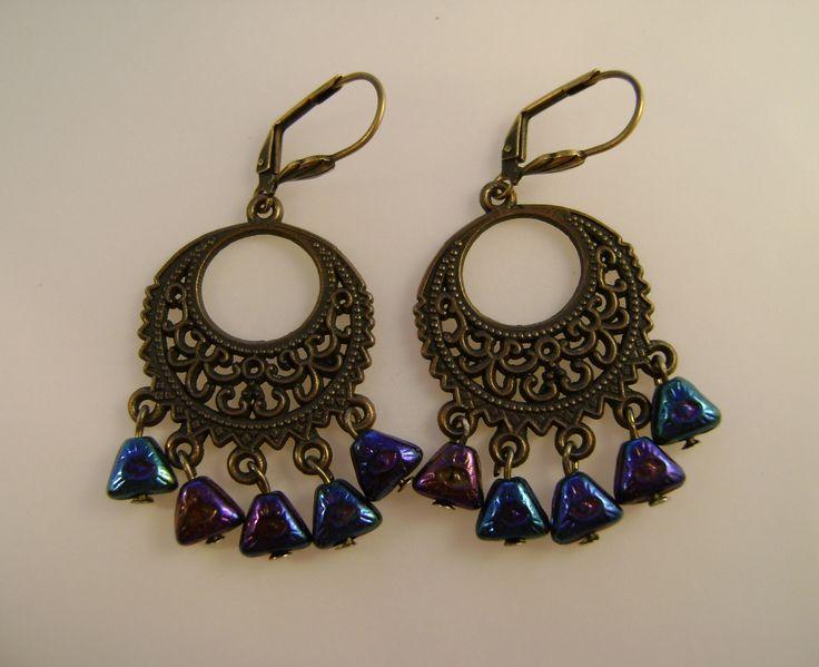 Earrings by Dorottya Madarász (Facebook: Dorabead)