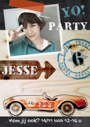 Stoere uitnodiging jongen kinderfeestje met eigen foto. Gaaf ontwerp van Zus&ik. Ook met vliegtuig te krijgen, kijk bij de andere kaarten.