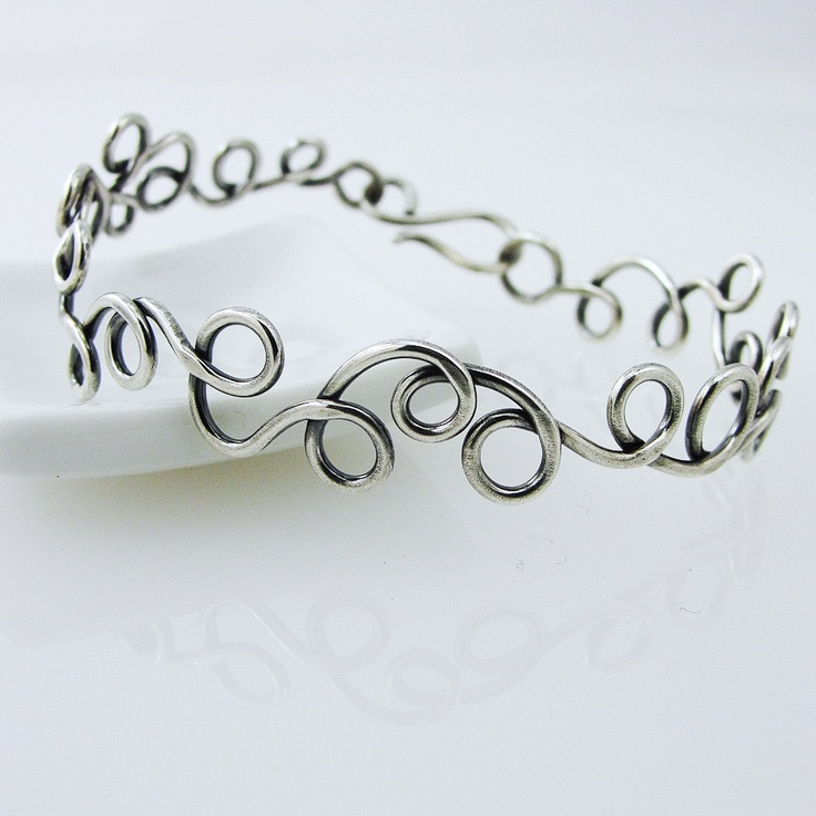 114 best Wire bracelet ideas images on Pinterest | Wire bracelets ...