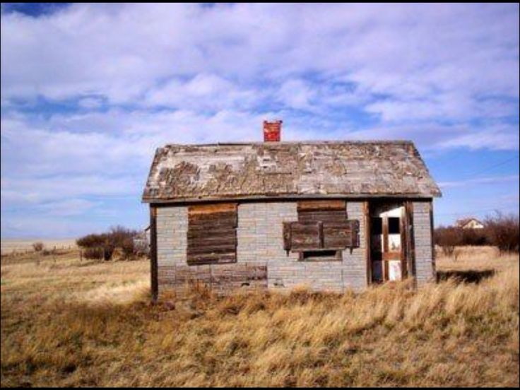 Abandoned house in Alberta