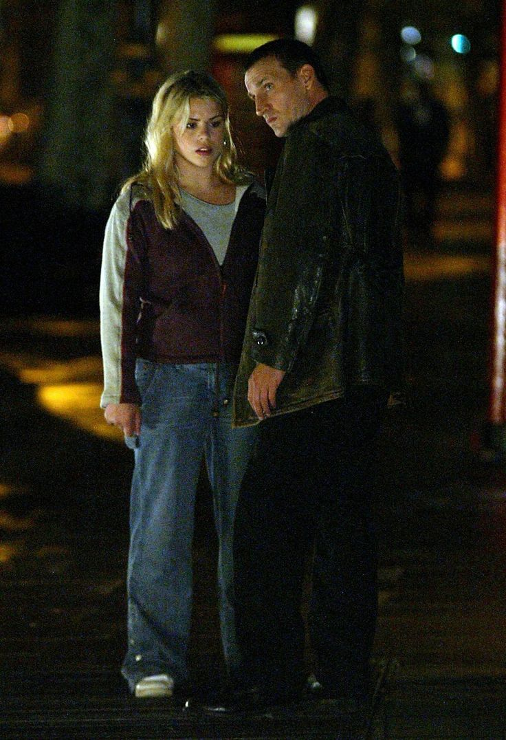 Christopher Eccleston as The Doctor and Billie Piper as Rose Tyler in Doctor Who (2005).