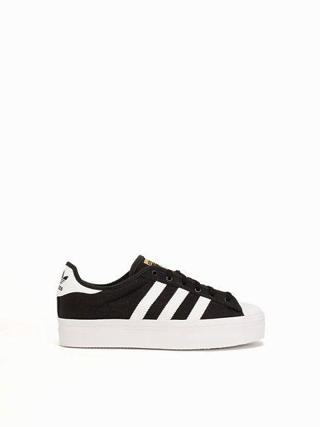 Shoe! Adidas originals sneaker rize - gotta love flatform!