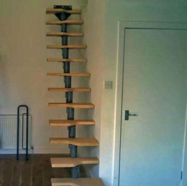 Escalera para espacios reducidos mini escaleras vidrio for Dimensiones de escaleras