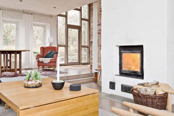 Massugnen värmer gott för stunden men förser också huset med varmvatten. Ängshejdan 1 - Bjurfors