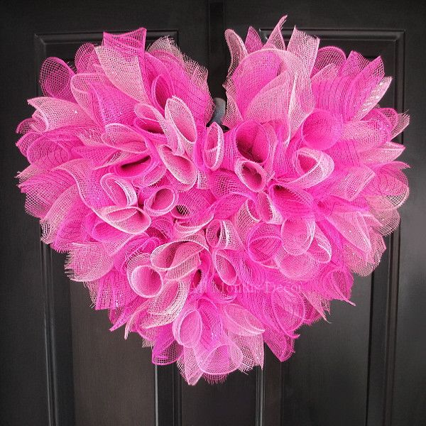 Valentine's Day Pink Heart Deco Mesh Wreath. Perfect for home and door decor, gifts, or saying I love or miss you to someone special. - Colors: Pink, Hot Pink - Handcrafted with curled deco mesh - Sin