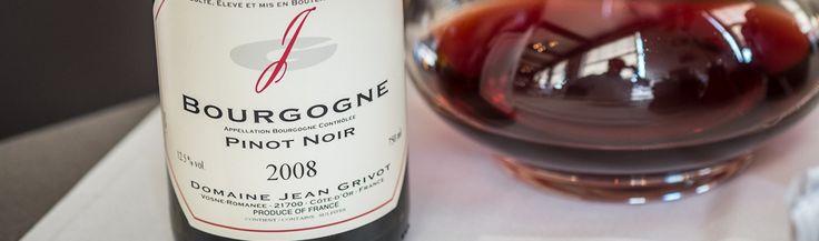 Bourgogne, Domaine Jean Grivot, 2008. Her har vi at gøre med en vin, man sjælden ser på vinkortet. Forventningerne var store, da tjeneren åbnede flasken. Den blev også dekanteret. Hvilket gjorde den åbnede sig hurtigt. Smuk klassisk vin på cru niveau. En snert af krydderier, jordbær og med bløde tanniner.