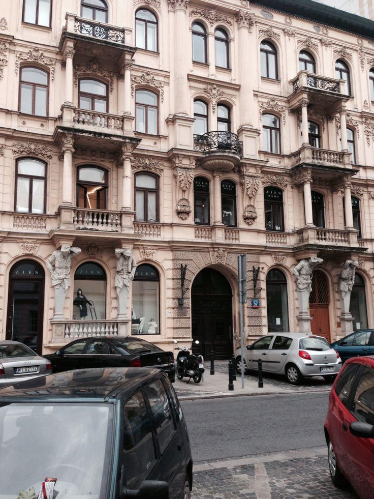 Warszawska kamienica/a house in Warsaw