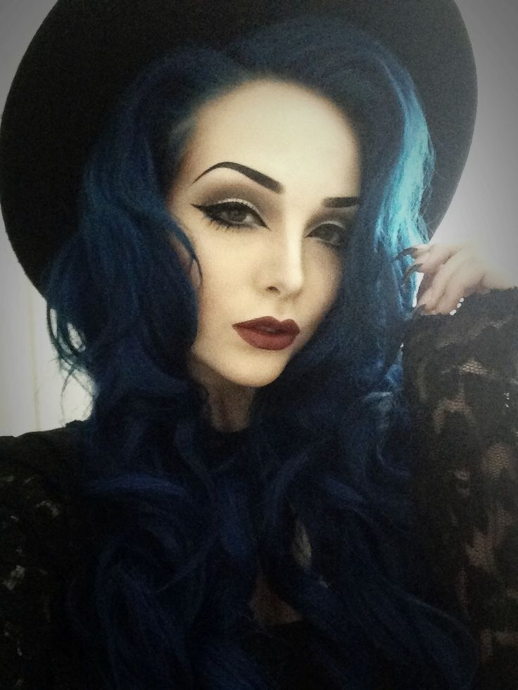 """""""kelsey again midnight blue hair dye by manic panic"""" ... I've never seen blue hair worn so elegantly. Love the hair and makeup!"""