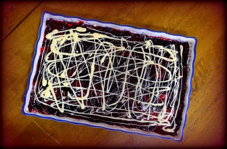 Τσιζκέικ Φραγκοστάφυλο, με κρέμα λευκής σοκολάτας