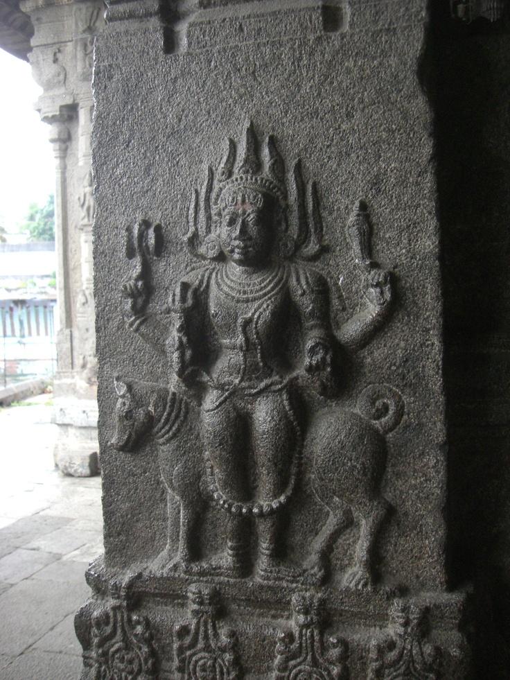 Bhairava Kamakshi Temple , Kanchipuram    taken by Komilla Sutton [2011]    www.komilla.com