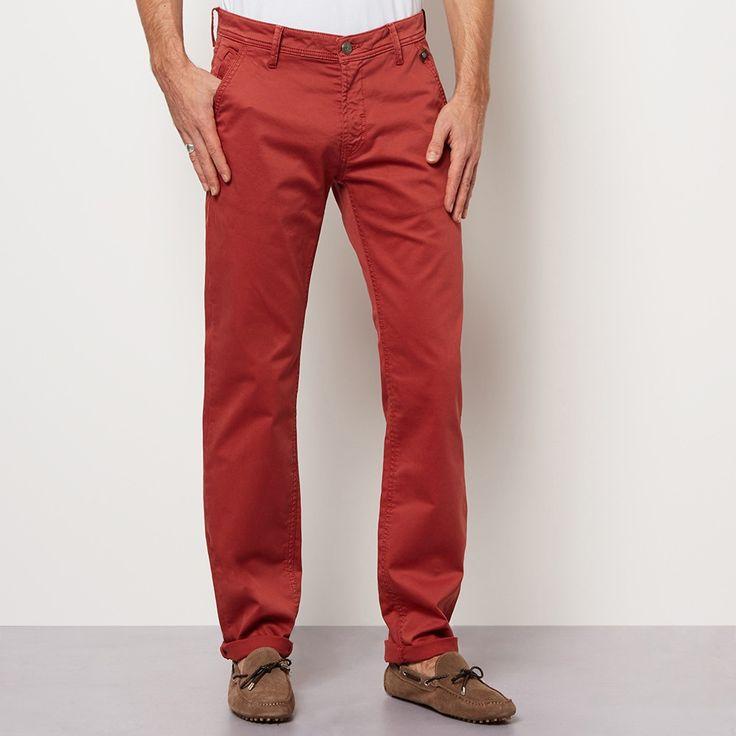 17 meilleures id es propos de pantalon rouge homme sur pinterest tenues pour jour de jeu. Black Bedroom Furniture Sets. Home Design Ideas