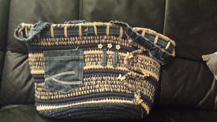 Gecombineerd met jeans ♡