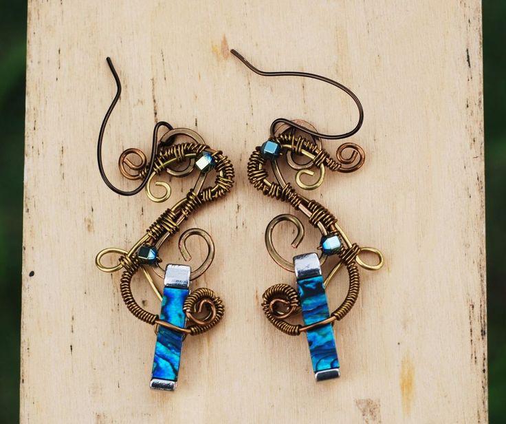 Unique Shell Pendant Earrings Wire Wrap Ocean Shell Earrings Sea Jewelry #Jeanninehandmade #Wrap