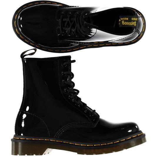 Scarponcino vernicito Dr Martens € 115,00 | Nico.it - #boots #shoes #drmartens #fashionshoes #fashion #nicoit #streetstyle #scarpe #scarponcini #moda