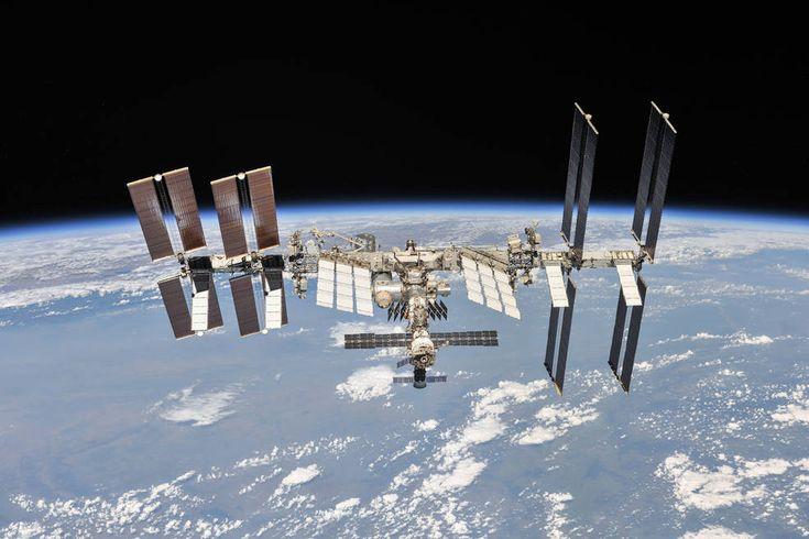 ناسا تتعاون مع توم كروز لتصوير أول فيلم في الفضاء صدى التقنية International Space Station Space Station Nasa Astronauts