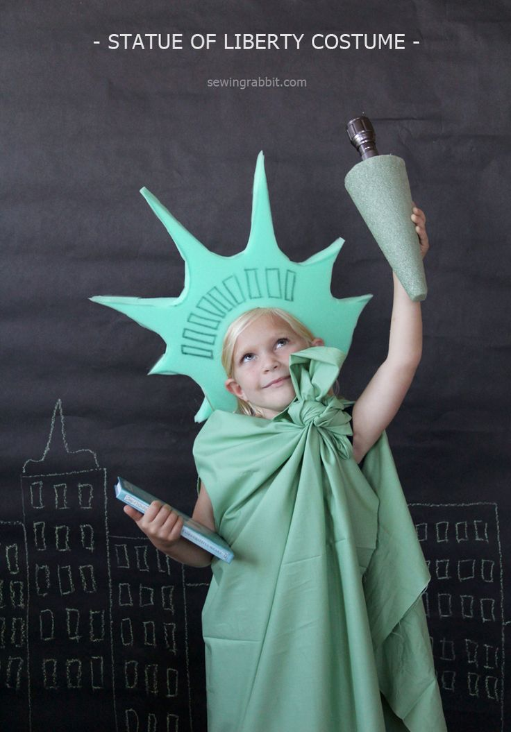 Looking for a unique Halloween costume for your little one? Click through for a quick statue of liberty costume tutorial by The Sewing Rabbit.