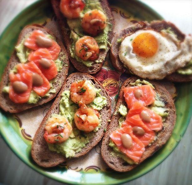 3 variaties op broodje met avocado_2