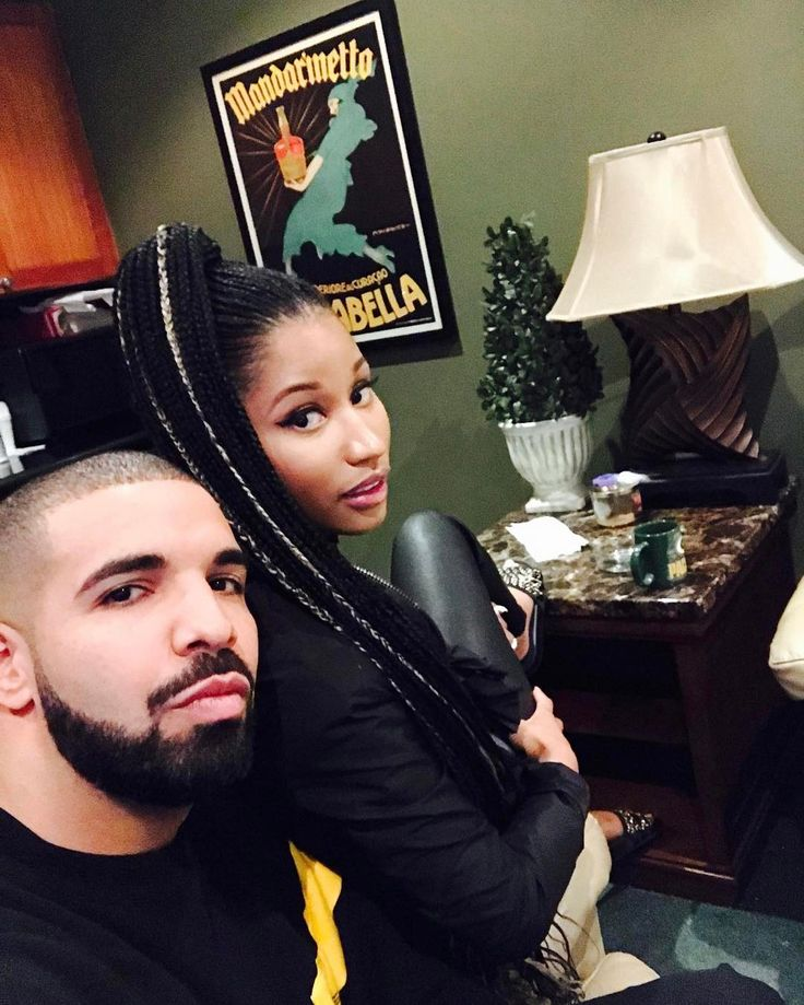 Nicki Minaj and Drake are friends again – about a month after Nicki publicly DUMPED Meek Mill. Nicki shared pics of her new MALE FRIEND this morning. As we know, Jennifer Lopez had been involved with Drake – but she dumped him for messing around with an Instagram thottie.