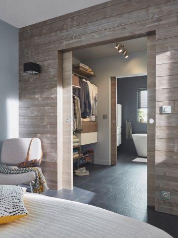 Un #dressing comme un sas pour lier deux pièces !  http://www.m-habitat.fr/petits-espaces/dressing/le-prix-d-un-dressing-2645_A