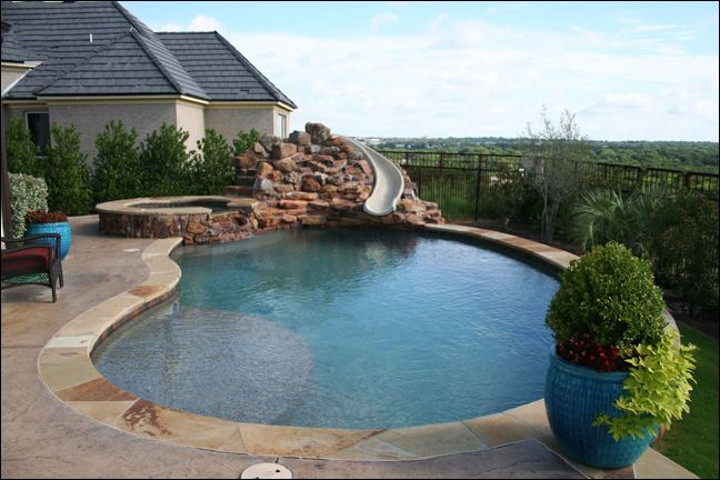 Freeform With Spa by Pulliam Pools
