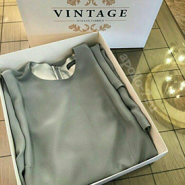 Коробочка Vintage готова упаковать очередной невероятно красивый наряд!  Размер 40х32х9см, коробка самосборная, очень удобна в транспортировке и хранении!  Хотите такую же, но со своим логотипом?! office@apollo-7.ru   #коробкаподплатья #коробкадляобуви #коробкадляплатья #коробкаслоготипом #коробкаслого #коробкаспринтом #коробка #нарядныеплатья #коробканазаказ #hotcouture #детскаяодеждаастана #коробкапододежду  #платьедлядевочки #платьедляпринцессы #apollo7paks #откутюр #дизайнерско