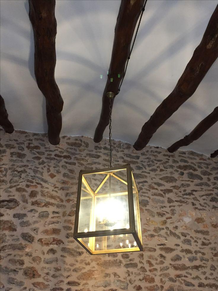 Lámparas colgantes de farol para un casa rural.