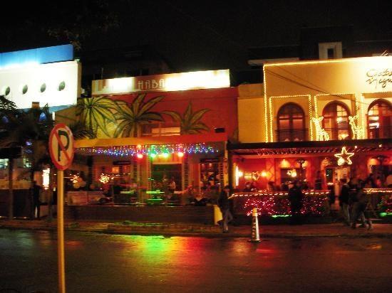 93 Park (Parque de la 93): Parque 93 at night