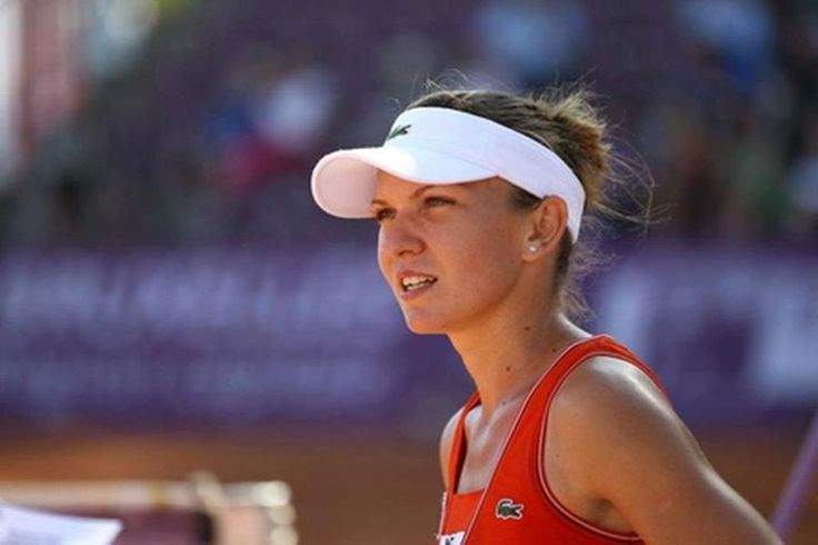 Simona_Halep defeats Pavlyuchenkova 61 46 60 and moves to the InteBNLdItalia QFs. livearad.ro/halep-s-a-calificat-in-sferturile-turneului-de-la-roma/ …