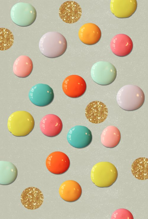 definitely need giant gold glitter polka dots on my wall for christmas
