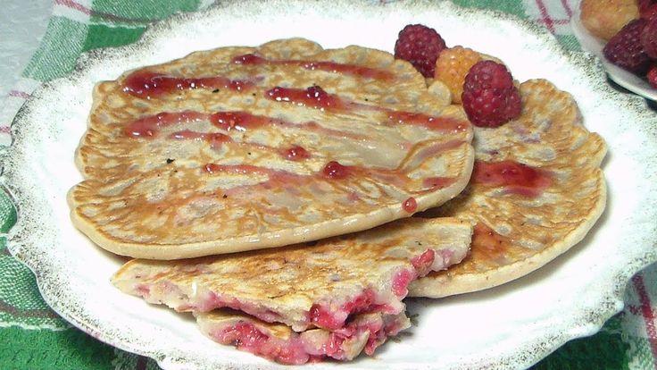 Блины с ягодами - это роскошный неспешный завтрак в выходной день, душевный полдник или милое угощение на дачном чаепитии, а то и просто десерт, завершение лёгкого обеда. Мой канал: https://www.youtube.com/user/receptik1. Но это всегда красиво, изыскано и очень вкусно!   Сладкий десерт с легкой кислинкой придется по душе и взрослым, и детям. Некоторые ягоды - чёрная смородина, вишня, черешня - прекрасно сочетаются с шоколадом. #Марина_Перепелицына, #легко и просто