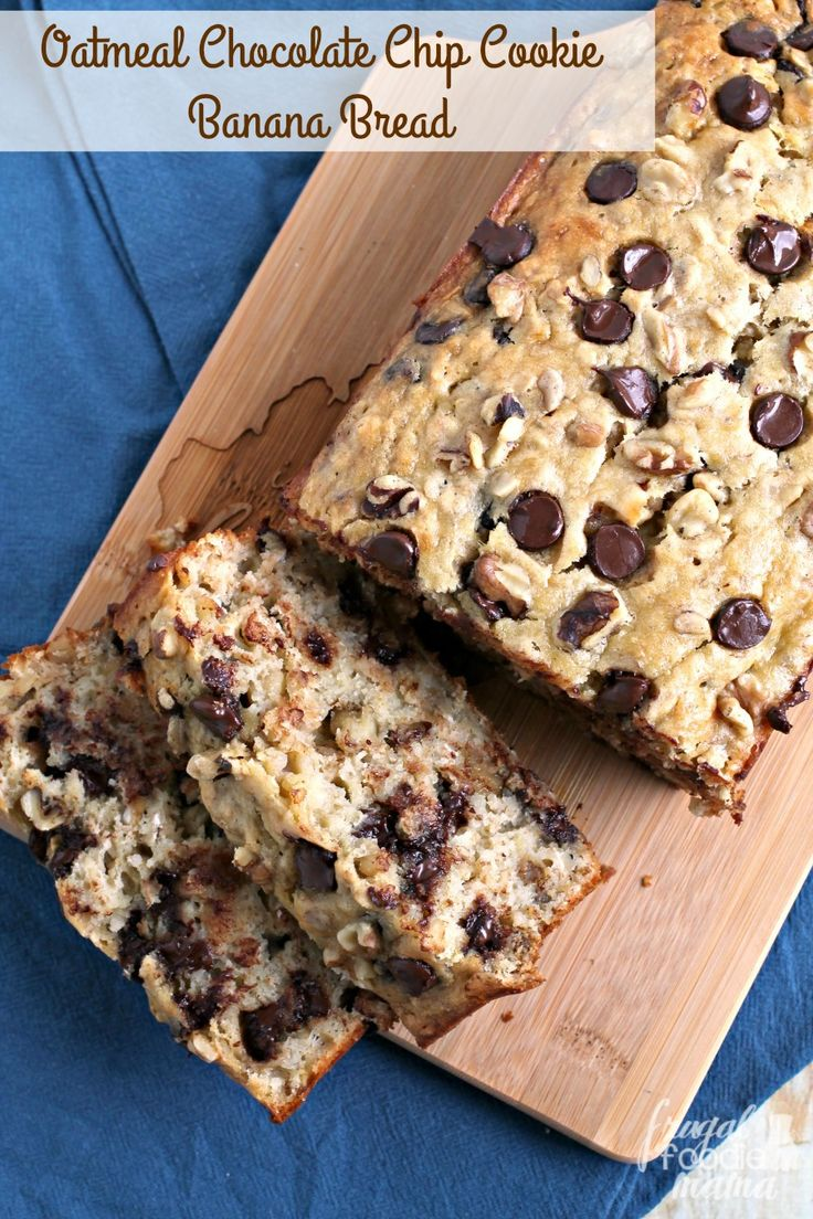 This family pleasing Oatmeal Chocolate Chip Cookie Banana Bread is chock full of hearty oats, gooey chocolate chips, & crunchy walnuts.
