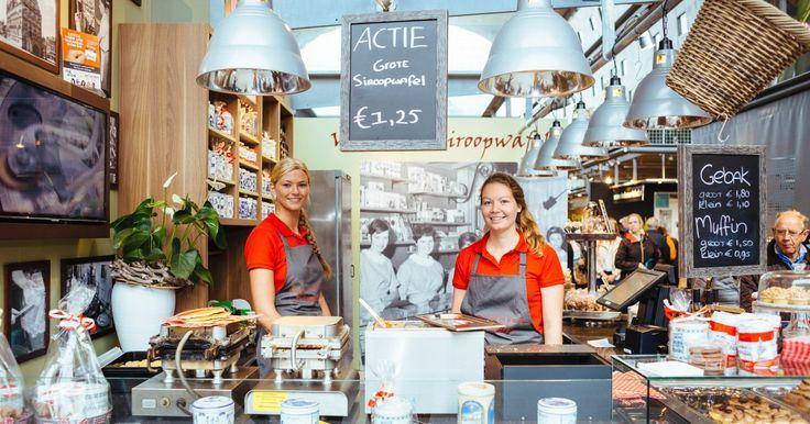 Chocolaterie, Gebak, Goudse siroopwafel, Koeken, Likeur en Siroopwafels: dat is Van Vliet Siroopwafels in de Markthal. Kom je langs?
