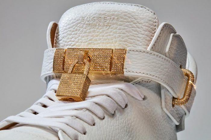 Resultado De Imagen Para Las Zapatillas Mas Caras Del Mundo Most Expensive Shoes Most Expensive Sneakers Expensive Shoes