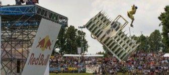 Sai costruire una macchina volante? Iscriviti alla Red Bull FlugTag di Milano!