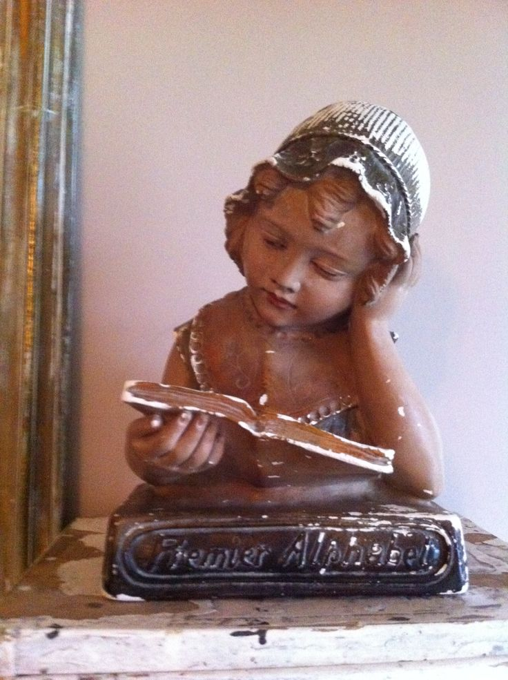 Prachtig Franse buste / borstbeeld dit is toch wel de mooiste die ik ooit ben tegen gekomen in mooie verweerde staat.