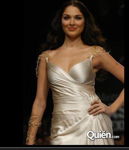 Blanca Soto, Miss Mexico, wearing Ana's wire work jewelry for Fashion Week in Mexico