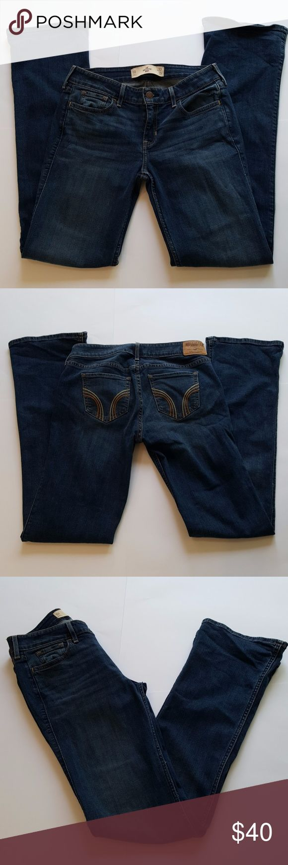 NWOT Hollister Women's Bootcut Jeans Size 27 NWOT Hollister Women's Bootcut Jeans Size 27 Colour Medium Blue Rinse Measurements: Waist 14 Inchs Inseam 31 Inchs Length 39 Inchs Rise 8 Inchs Cuffs 8 Inchs Hollister Jeans Boot Cut