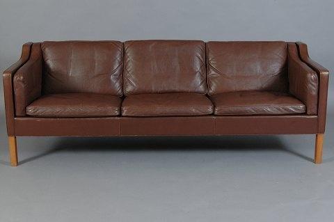 Uh, I would like to own this Børge Mogensen sofa. (Dream dream..)
