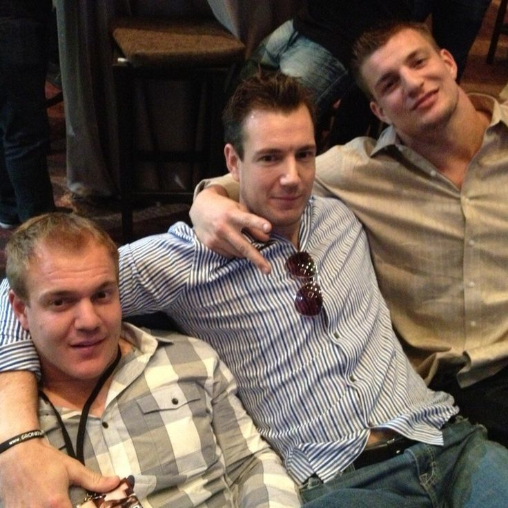 Twitter Rob Gronkowski with his brothers