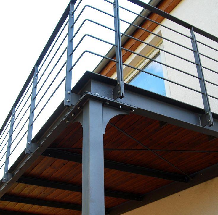 Balkon auf Stützen