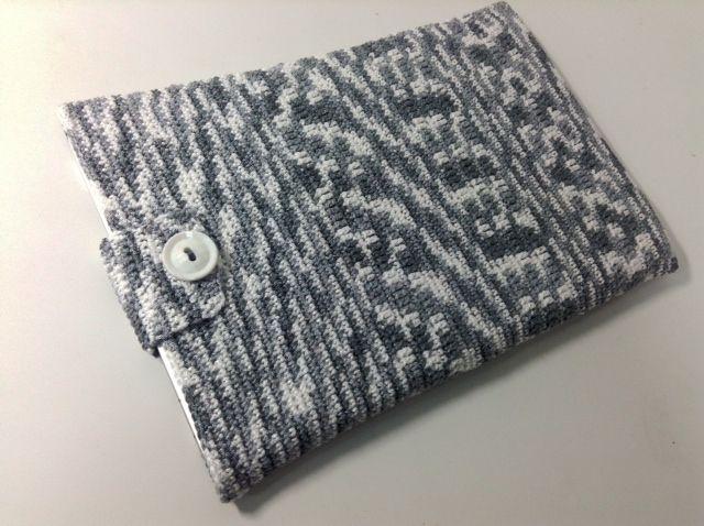 """11インチのノートパソコン用スリーブケース Knit for 11"""" Notebook in Gray"""