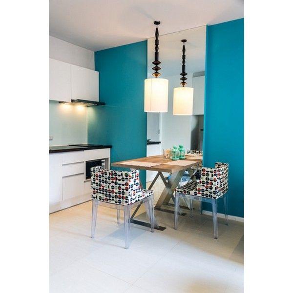 Идеи для маленькой кухни, компактный обеденный стол на кухню, визуальное расширение пространства зеркала