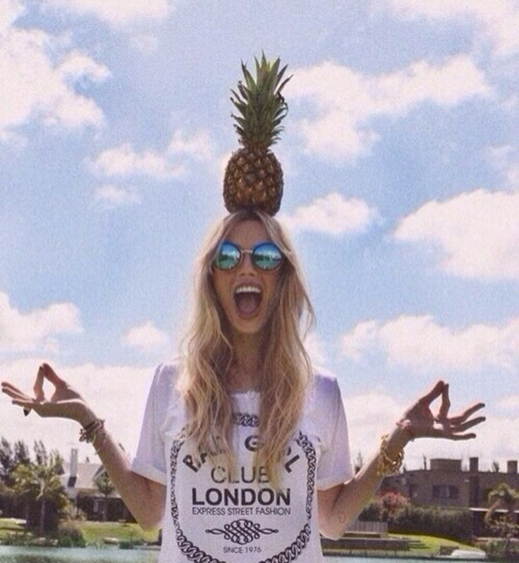 I will take a picture like this someday. I will buy a pineapple just to do it.