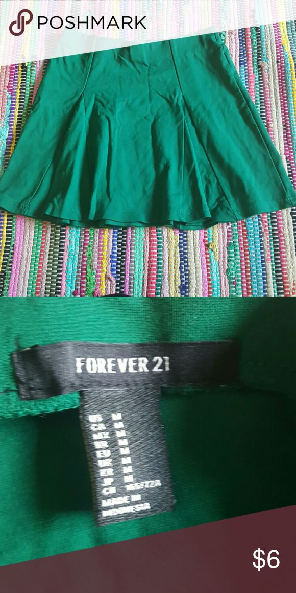 Green skater skirt Perfect for holidays. Elastic waistband. Make an offer Skirts Circle & Skater