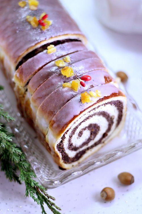 Świąteczna strucla makowa - drożdżowa i krucho-drożdżowa - Every Cake You Bake