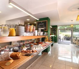 Accommodation in Prague - Rezidence Vyšehrad - buffet breakfast in Fine Cafe