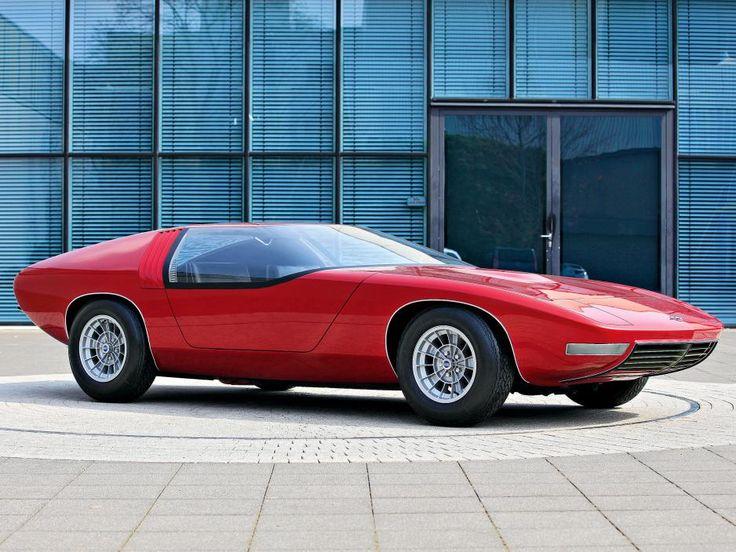 Auch 44 Jahre nach der Präsentation ist der Opel CD atemberaubend schön. Kerndaten: 4,57 Meter lang, 1,11 Meter hoch und GR 70 VR-15 Reifen auf 7x15-Rädern