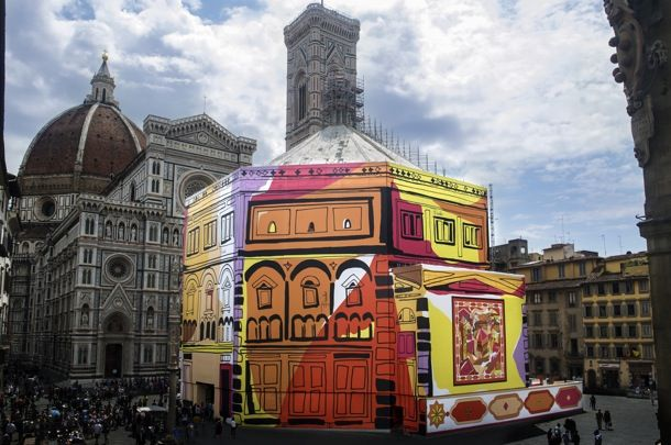 To celebrate the 16th Anniversary of the Centre of Florence for Italian Fashion, Pucci 'dressed' the Baptistery of San Giovanni with its iconic Battistero sketch, which dates back to 1057 and was designed by Marquise Emilio Pucci himself